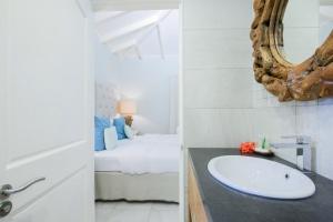 bedroom view Tropical Lagoon
