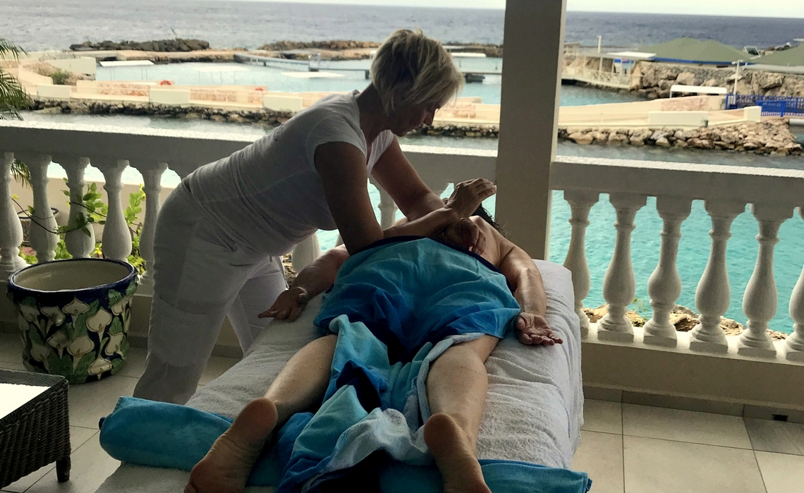 Massage on location at Curacao Luxury Holiday Rental