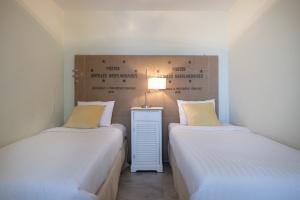 Luxury 3 bedroom Seaview Apartment - Floral Dreams – Curacao Luxury Holiday Rentals